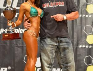 Bikini Gesamtsieg mit meinem Coach Bernhard Schuber